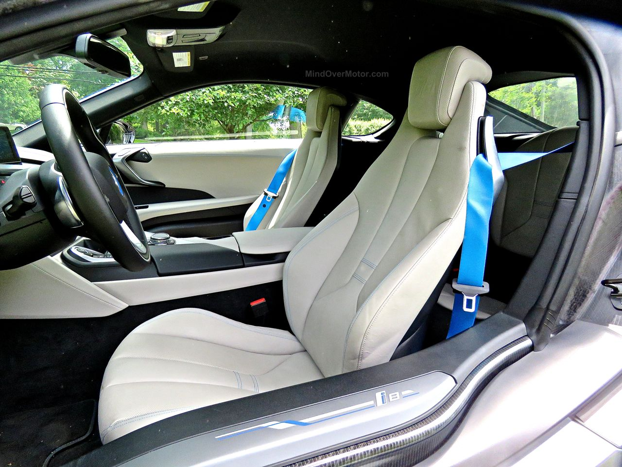 BMW i8 Review 16