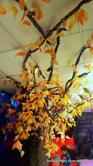 halfwhiteboy halloween decor - norway 18