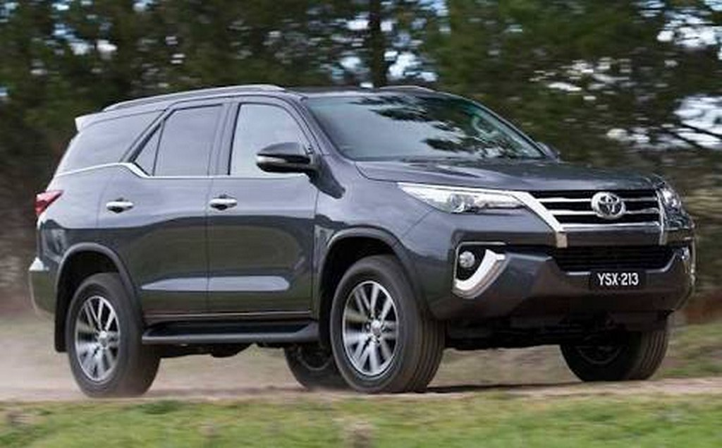 2016-Toyota-Fortuner (2)