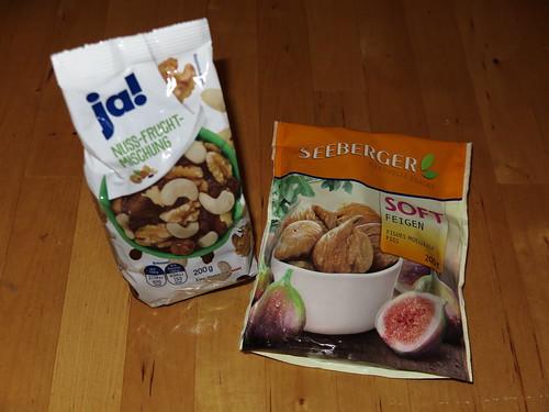 Nuss-Frucht-Mischung und Soft-Feigen
