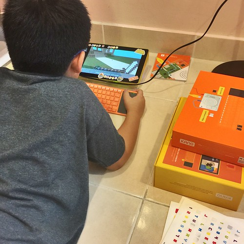 Kano computer coding kit