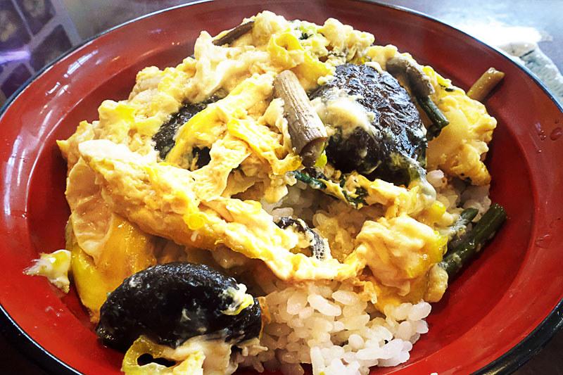 久遠寺参道 河内屋 椎茸丼