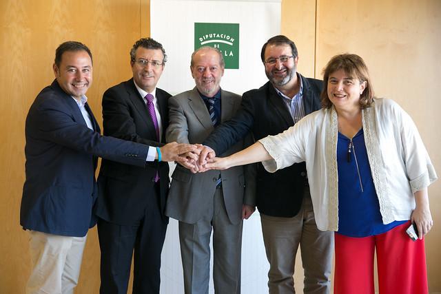 10-281016 Firma Convenio Aytos Mairena del Alcor y Carmona