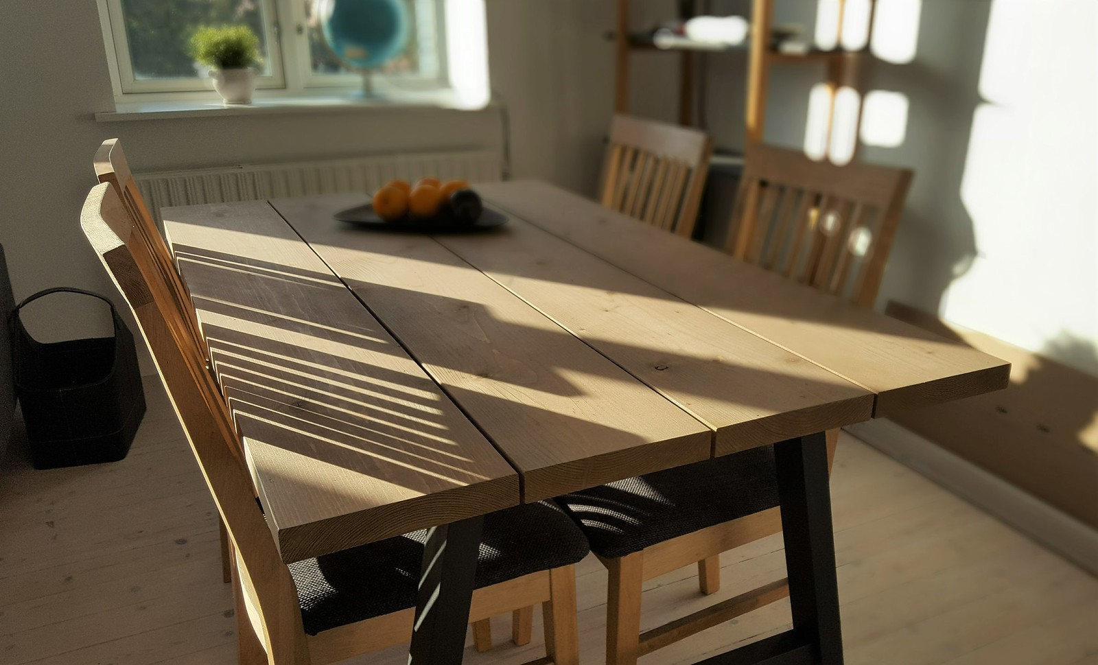 Guide: Make a Nordic Wood Dining Table