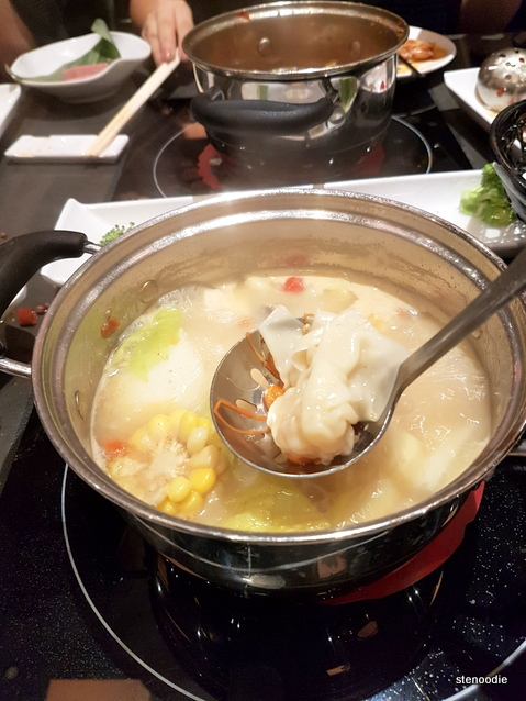Wonton in hot pot
