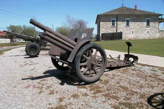 Obús Skoda vz 14-19 expuesto en el Museo de Artillería, Fort Sill, Oklahoma, EE.UU.