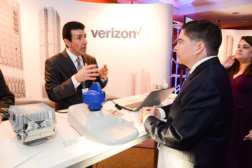 FCC's O'Reilly & Verizon smart city exhibit