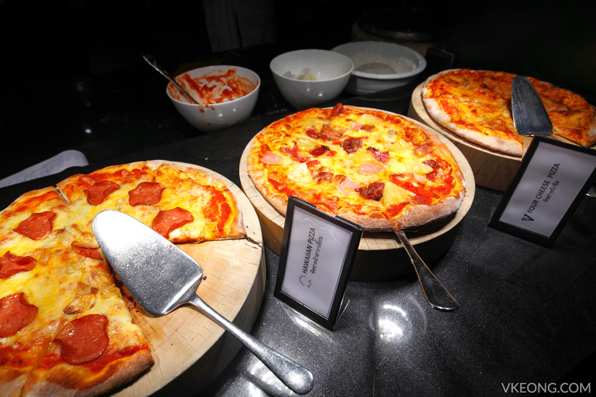 Edge Hilton Pattaya Freshly Baked Pizza