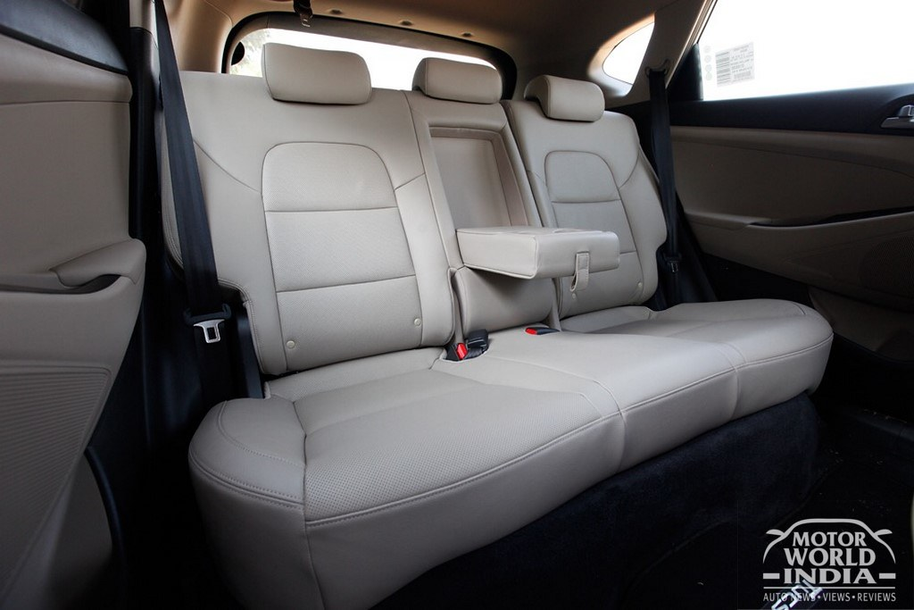 2016-Hyundai-Tucson-Seats
