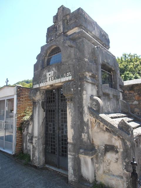 Cementerio municipal de Mieres. Un recorrido por algunos de sus panteones.
