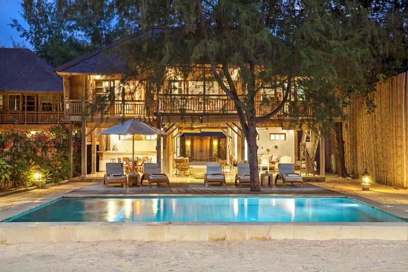 Airbnb_gili_night