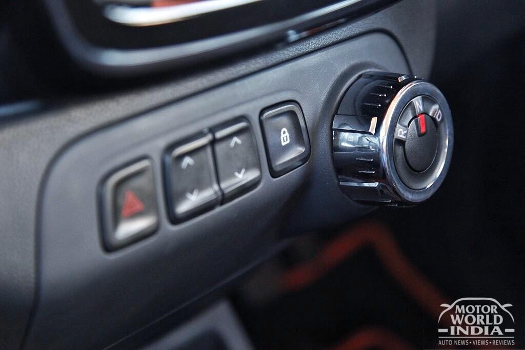 Renault-Kwid-AMT (18)