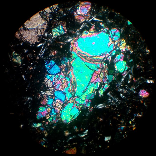 Olivine (30 µm thin section, XPL)