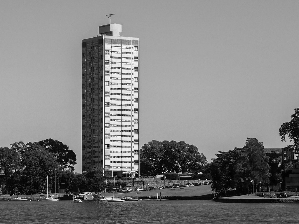 blues point tower