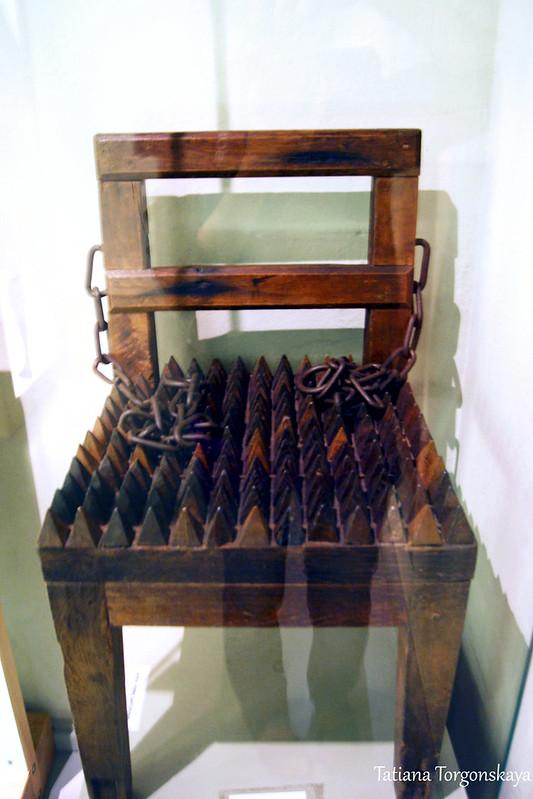 Кресло для допроса
