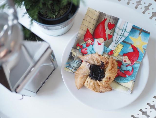 joulu otrttu, mince pie, christmas pie, luumumarmeladi, luumu täyte, jouluherkut, christmas treats, delicacy, plum marmalade,