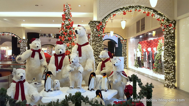 halfwhiteboy powerplant mall christmas decor 2016 02
