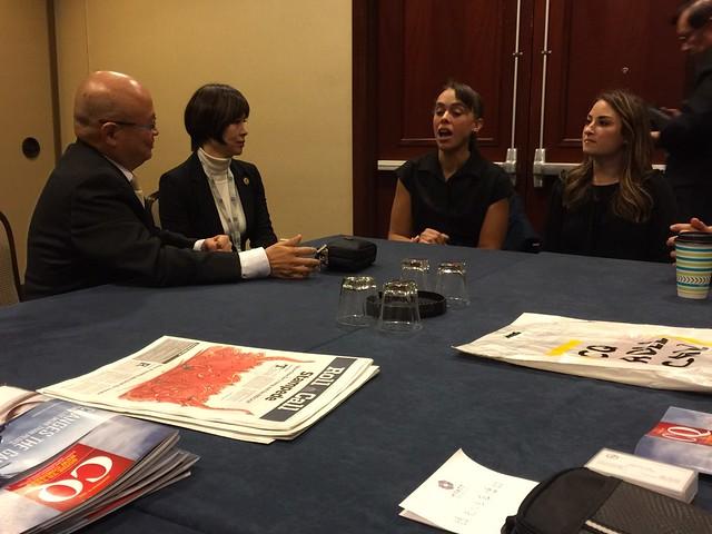 2016-11-10 與華爾街日報的代表會談 (2)