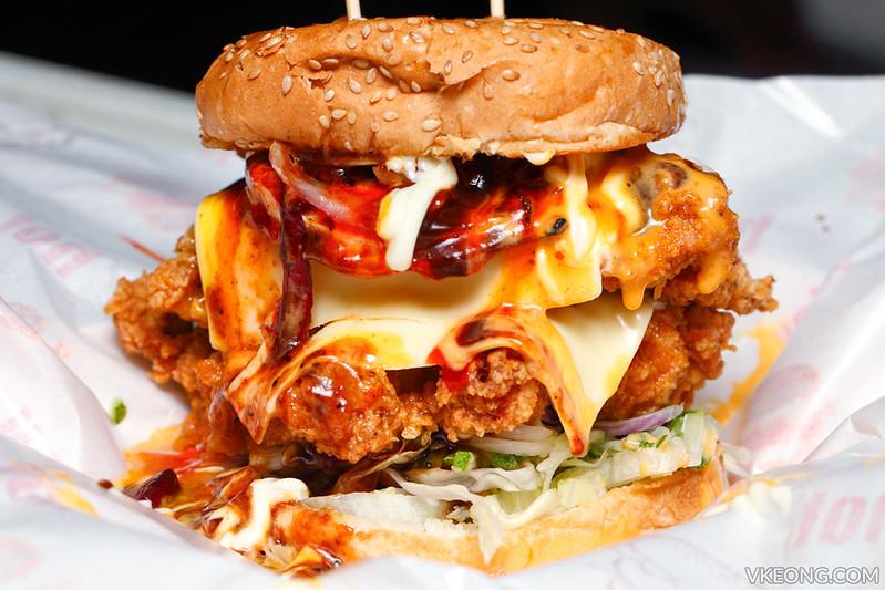 Burger Berapi Mak Chick Yunai TTDI