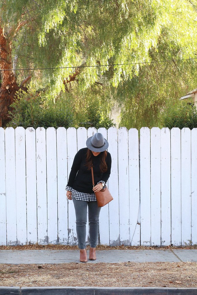 simplyxclassic, madewell bag, gingham, fall outfit, fall style, preppy style, how to wear gingham