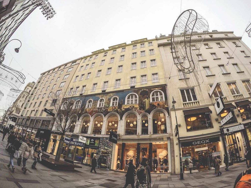 Shopping in central Vienna