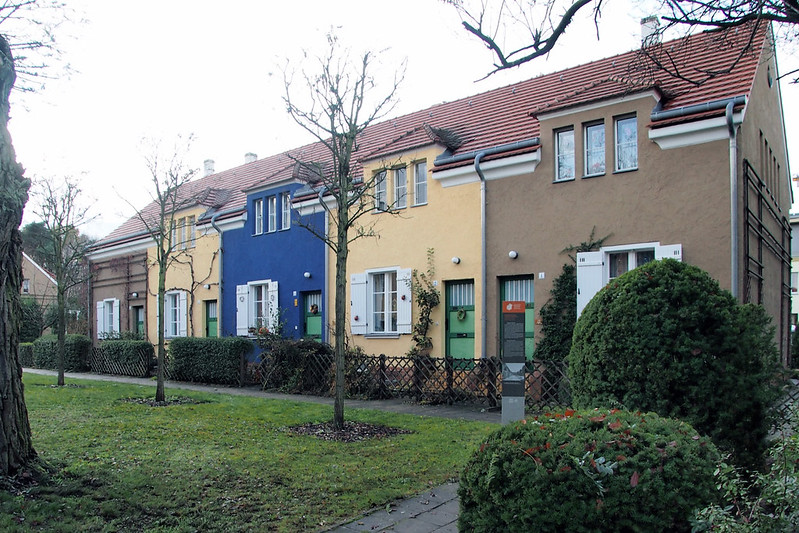 Bruno Taut's Colorful Modernism