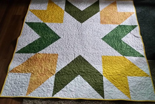 Another finished quilt tonight. Giant Starburst in Green Bay Or BHSU green and yellow.