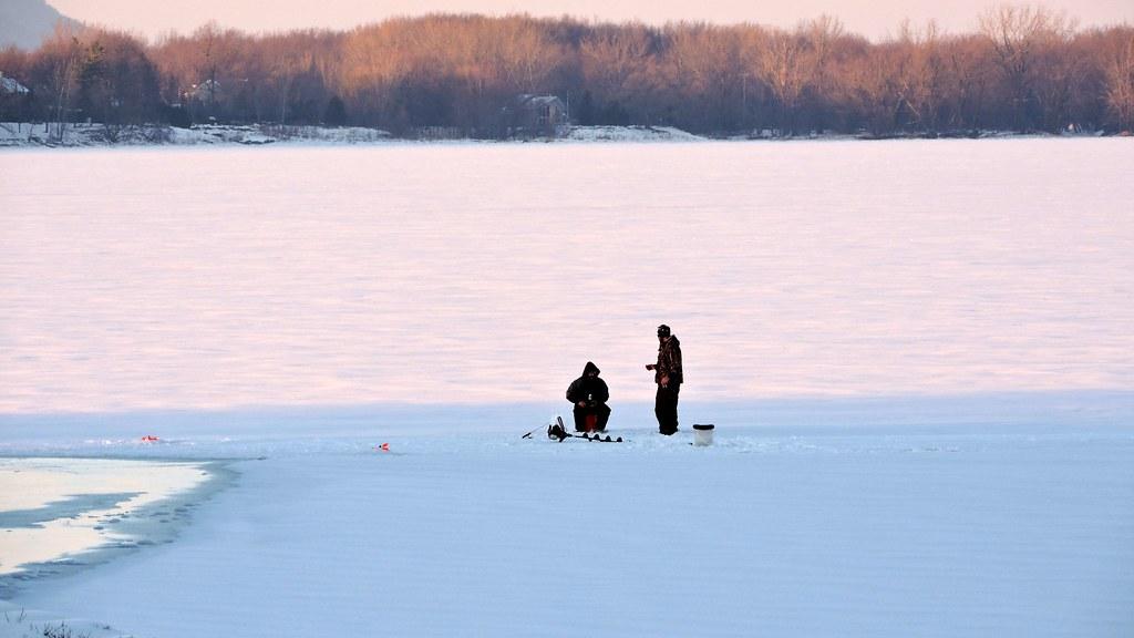 Pêcheurs sur glace
