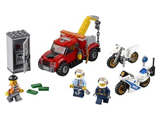 LEGO City Tow Truck Trouble (60137)