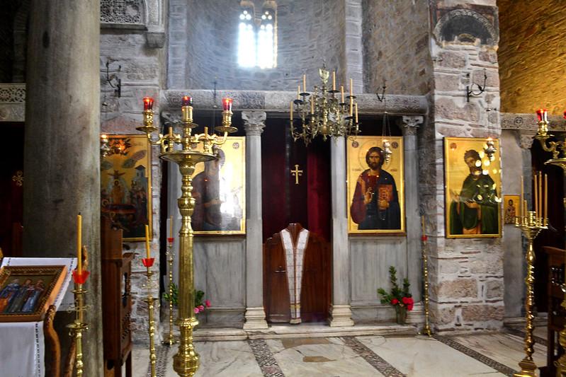 Interior de la Iglesia consagrada a la Virgen, la más antigua.