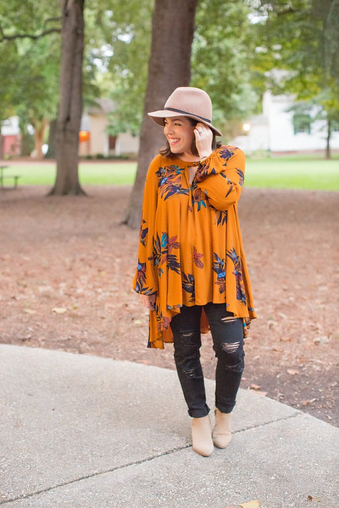 Head to Toe Chic-mustard tunic-@akeeleywhiteView More: http://em-grey.pass.us/angela-september-2016-fashion-bloggers-day-out-em-grey-photography-raleigh-nc