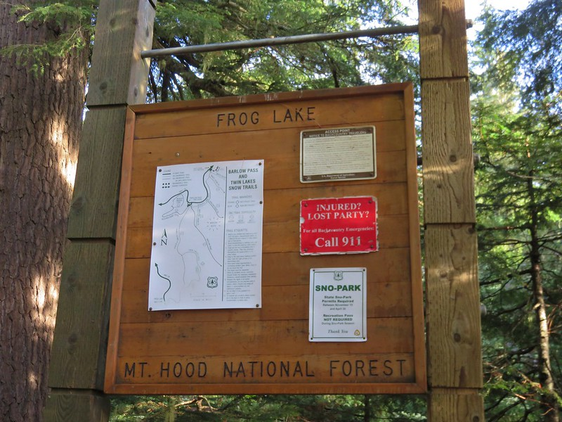 Frog Lake Sno-Park sign