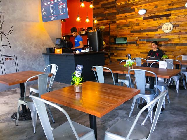 hermanos-rotiserie-shah-alam-restaurant