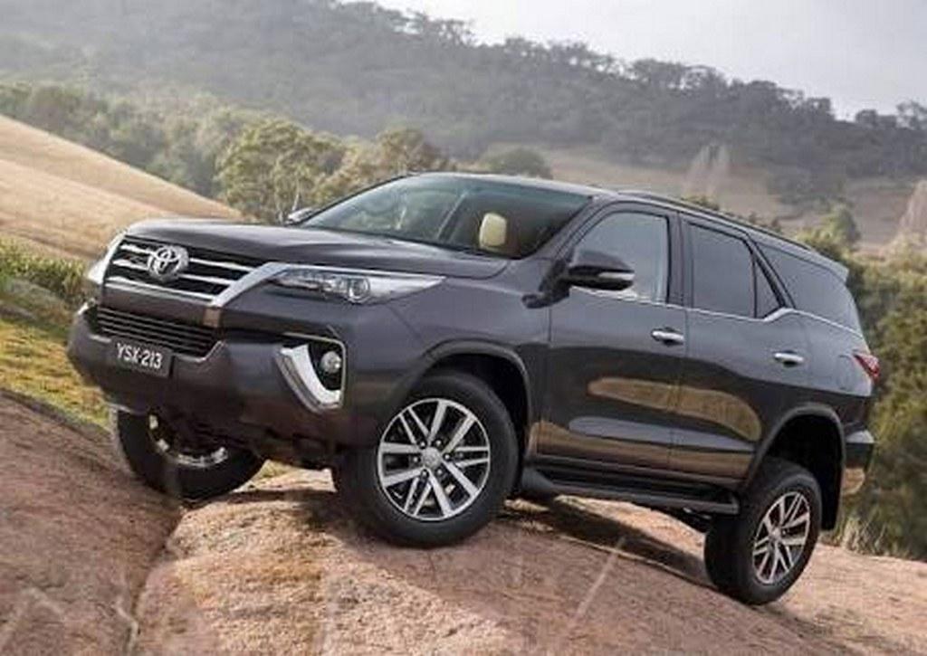 2016-Toyota-Fortuner (9)