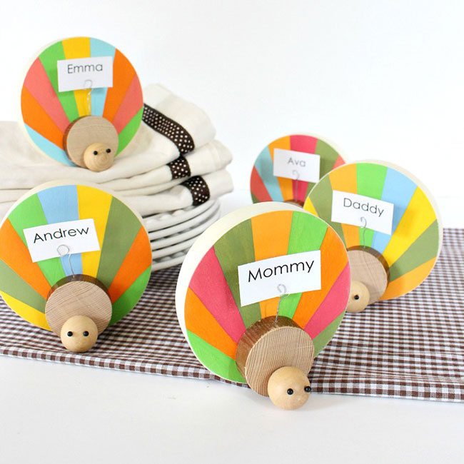 wood-turkey-place-card-holder
