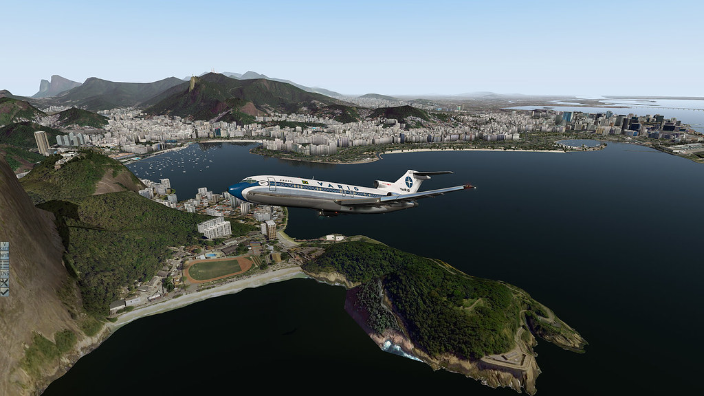 Varig 727-100 decolando do Rio rumo a SP. 30593423002_2690f26fee_b