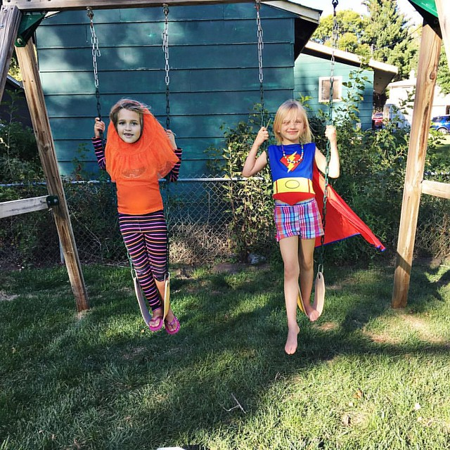 Zooey and her friend, Harper enjoying a warm fall day! Harper is super girl and Zooey says she is a !!! 😂