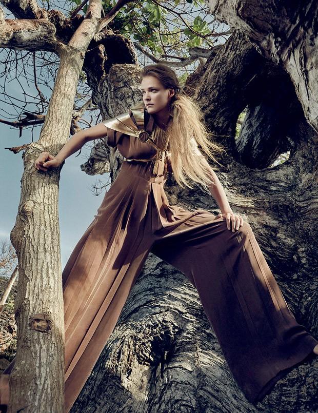 Carmen-Kass-Vogue-Ukraine-An-Le-01-620x805