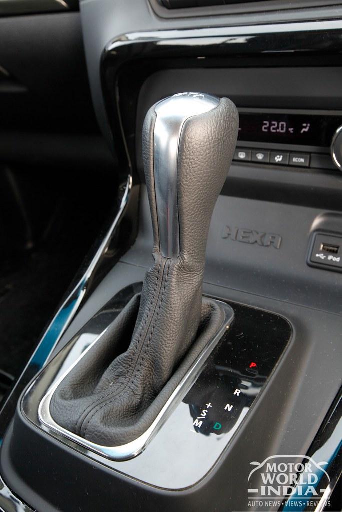 Tata-Hexa-Interior-Gear-Lever