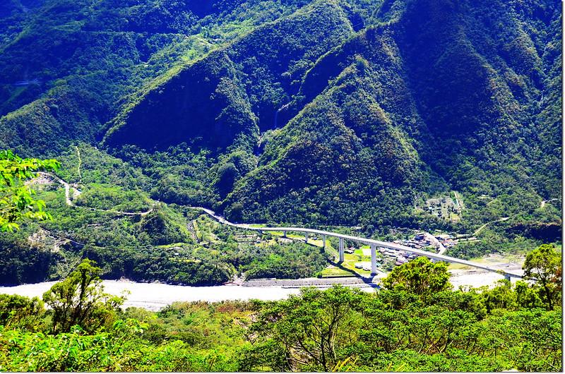 屏31鄉道俯瞰谷川大橋