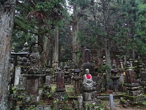 Koyasan Okunoin Cemetery walk at night (3)