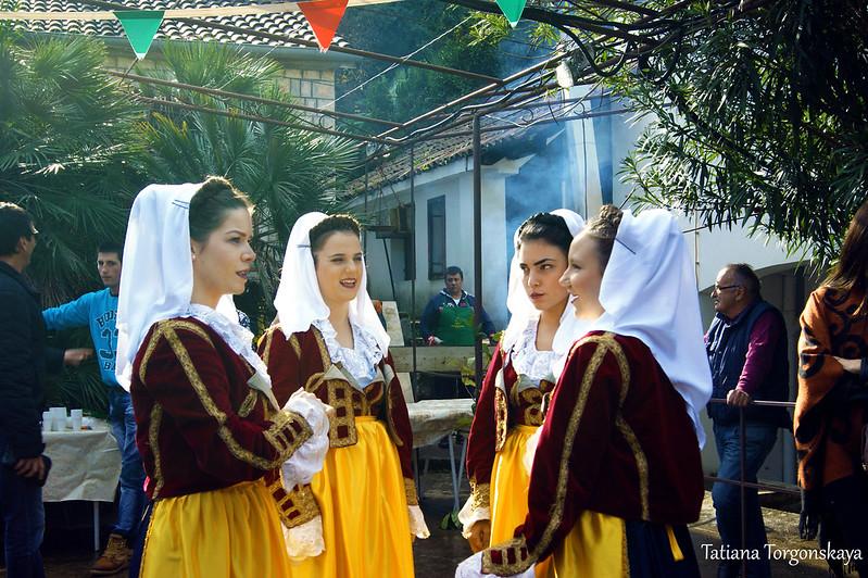 """Девушки из ансамбля """"Boka"""""""
