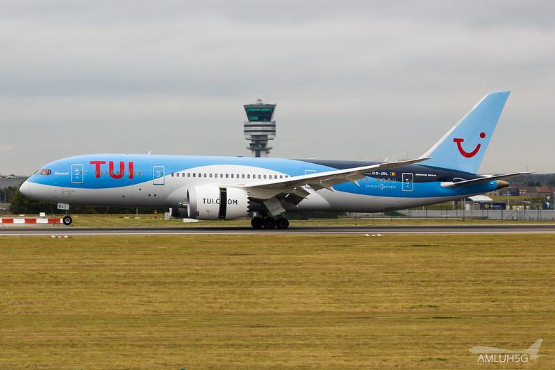 TUI Airlines Belgium - B788 - OO-JDL (2)