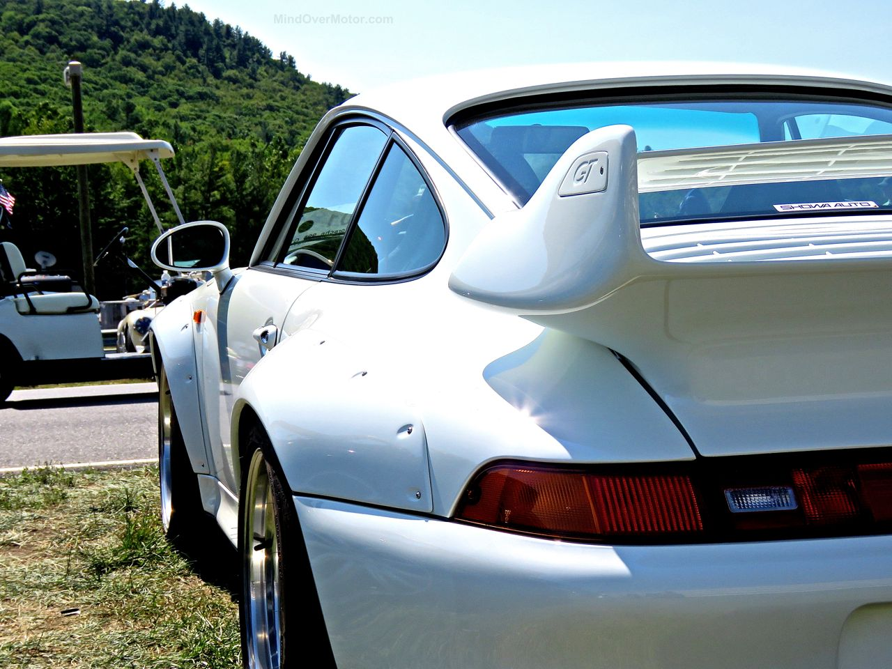 Porsche 993 GT2 Lime Rock 3