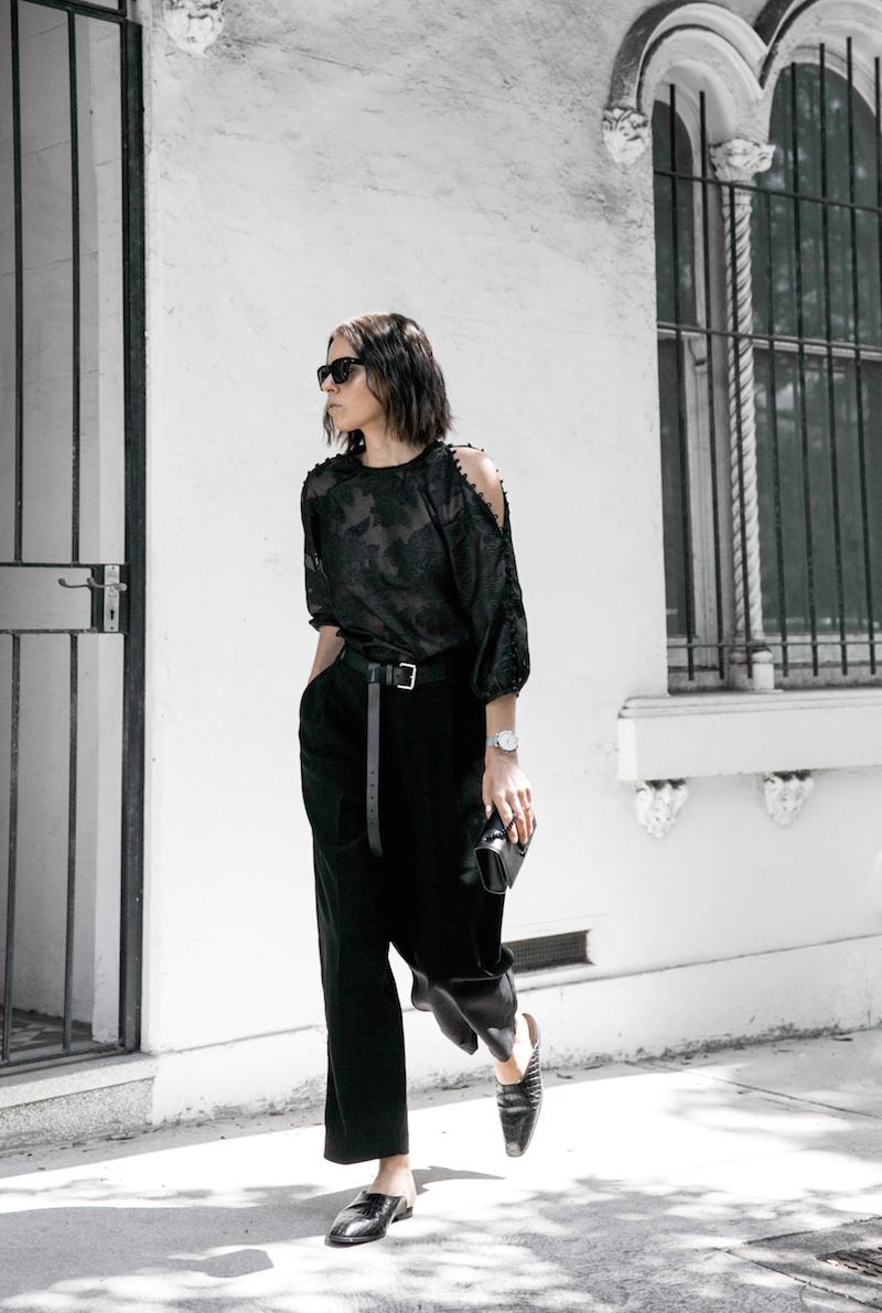 all black outfit inspo minimal fashion blogger modern legacy loafer mules karen millen shoulder blouse (5 of 9)