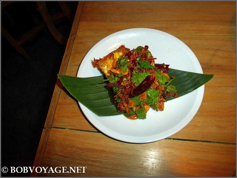 קאי יאנג  ב- שולחנות עגולים ב-בית התאילנדי