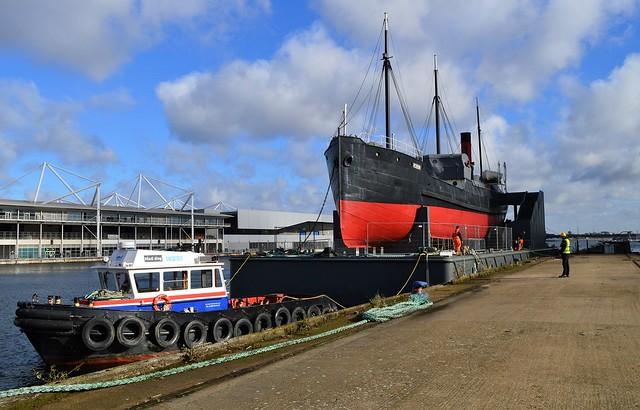 Maddog + SS Robin (23) @ Royal Victoria Dock 07-11-16