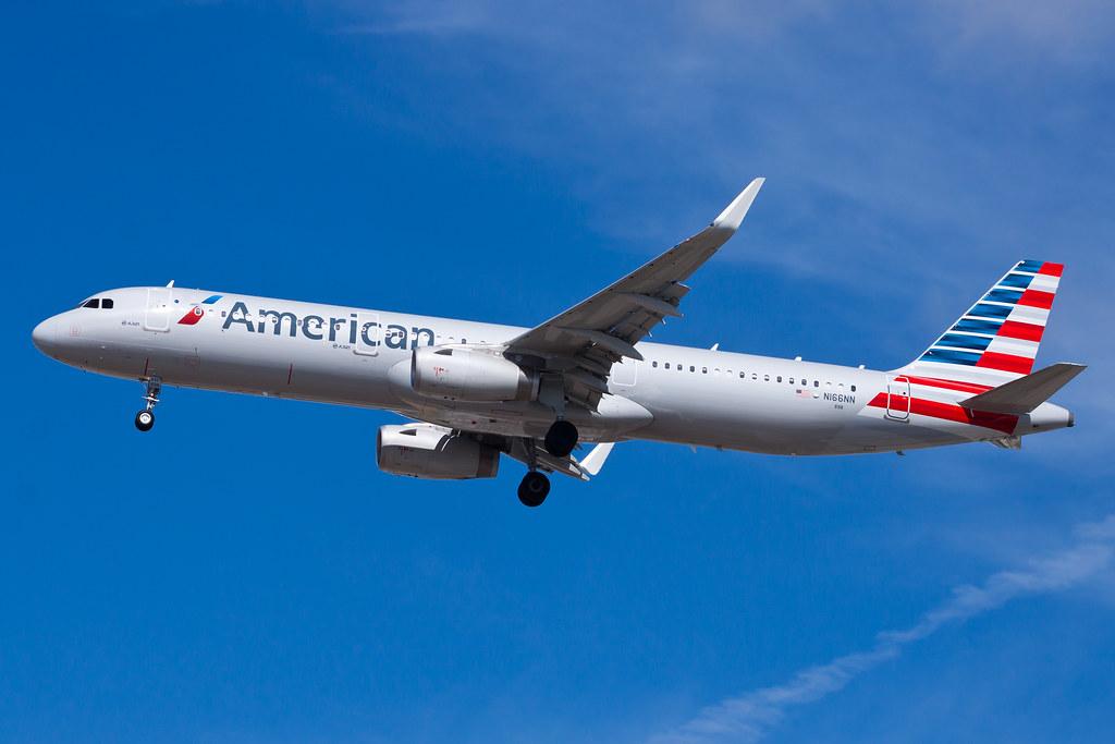 American Airlines Airbus A321 N166NN