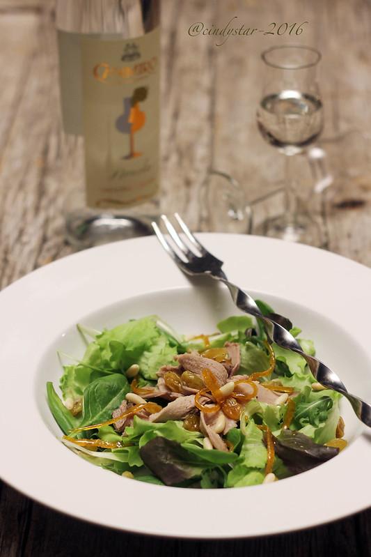 insalata agrodolce con petto d'anatra alla nosiola