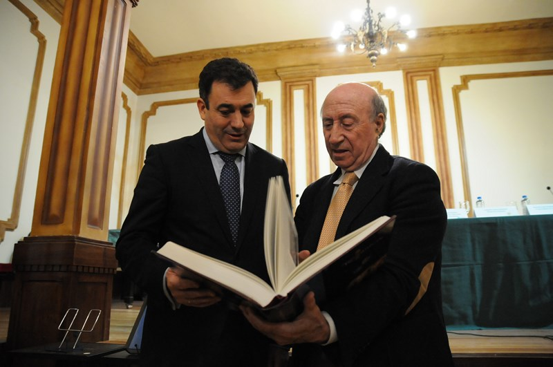 La enciclopedia del rom nico recoge los 180 vestigios - Colegio delineantes barcelona ...